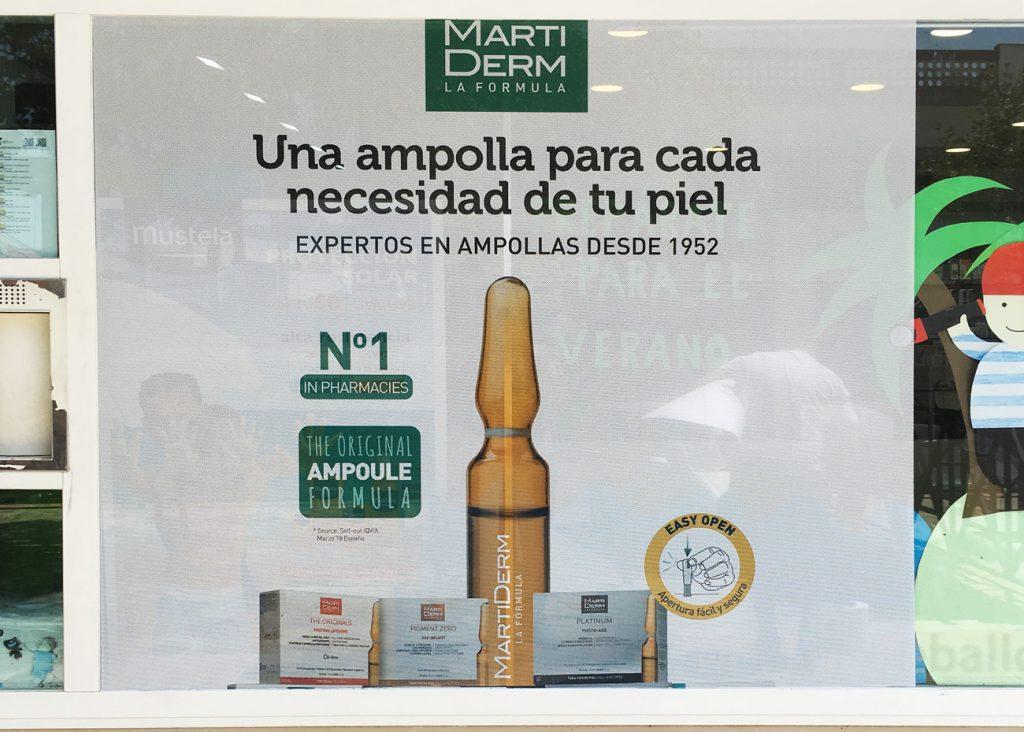 Montaje de vinilos para Farmacias