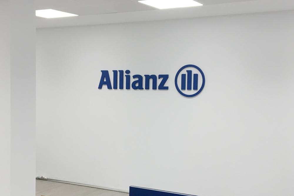 Corpóreo de PVC Allianz
