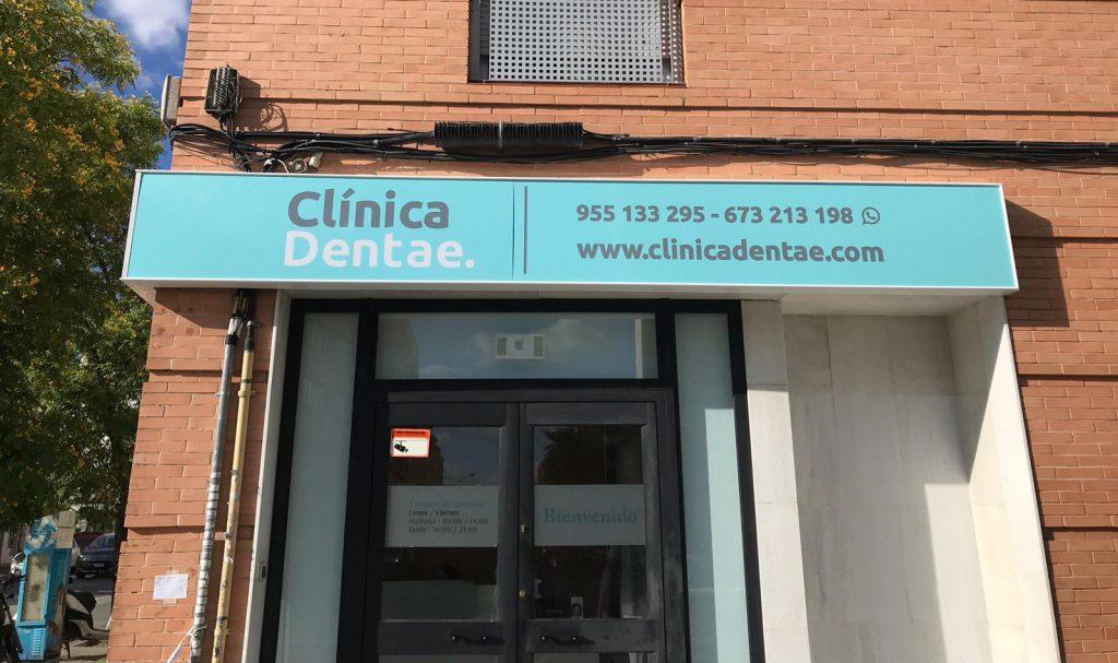 Frontales luminosos para Clínica Dentae