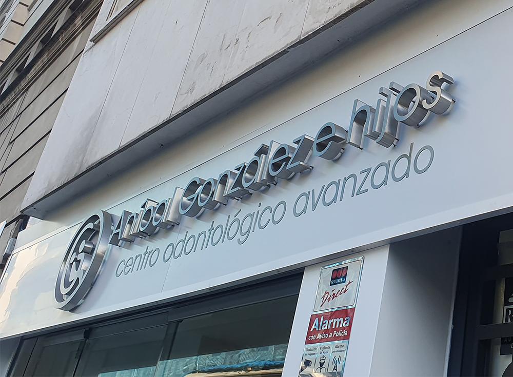 Rótulo corporativo para Aníbal González e Hijos